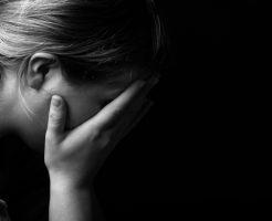余命宣告を受け泣き崩れる:肝臓がん末期闘病記